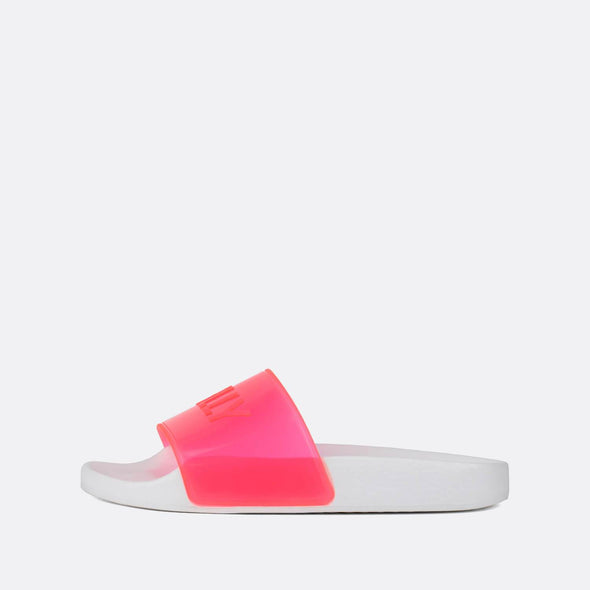White pool slides with translucid neon pink strap.