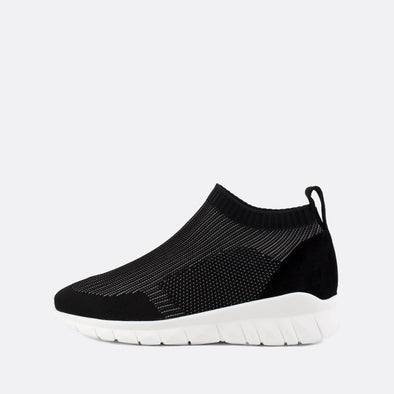 Stretchy sock sneakers in black.