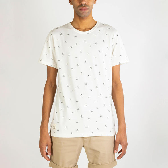 White t-shirt with origami birds full-print designed by Cultura Inquieta.