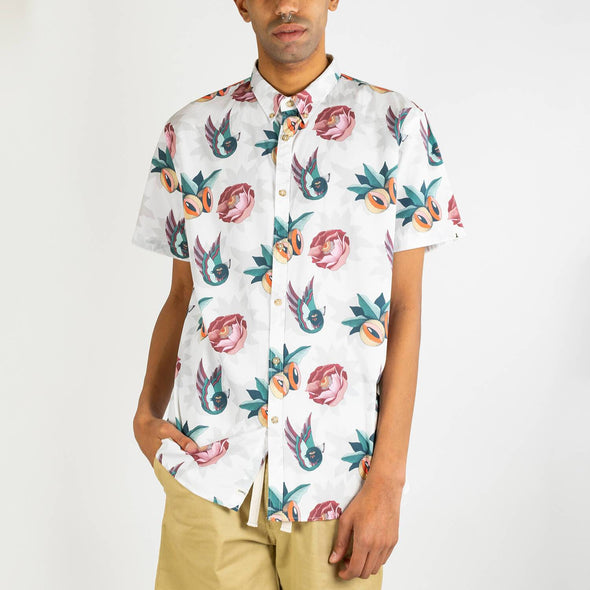 Short sleeved shirt with all over floral print designed by Boa Mistura.