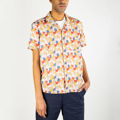 "Short sleeved bowling shirt with a ""jazz camo"" print, an open collar and genuine mother of pearl buttons."