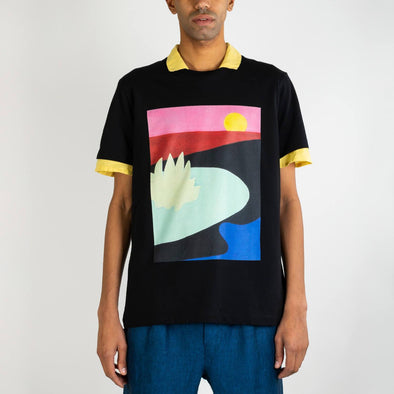 100% premium cotton relaxed fit t-shirt with fine digital print by the berlin based artist Jan Ziegler.