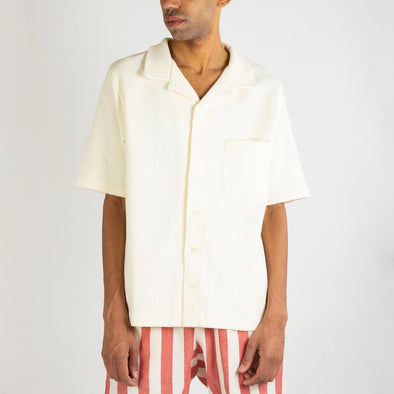 Off-white 100% cotton short sleeve shirt in special waffle pique fabric.