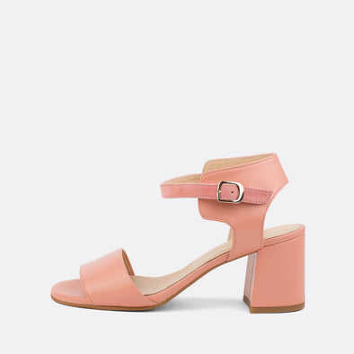 Open heeled sandals in baby pink leather.