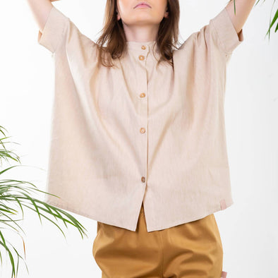 Natural wide fit shirt  with a slim mandarin collar.