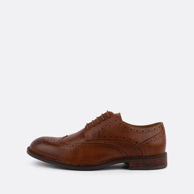 Brown leather derby shoes with lace-up closure.