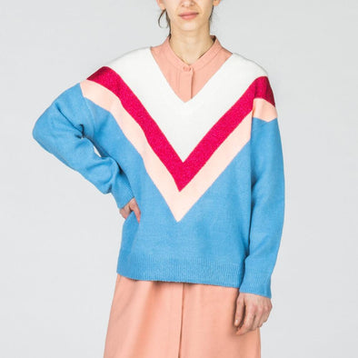 Multicolored V-neck sweater with a strong graphic touch.
