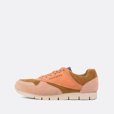Classic-style runners in paneled peachy shades and light brown suede.