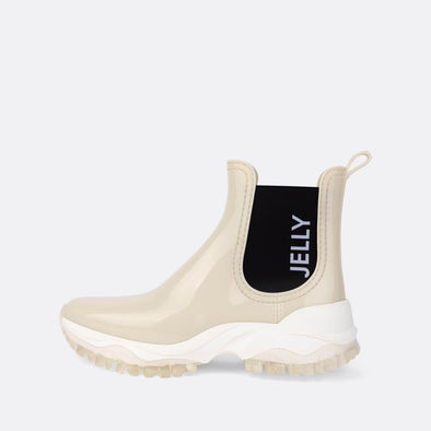 White boots with white outsole.