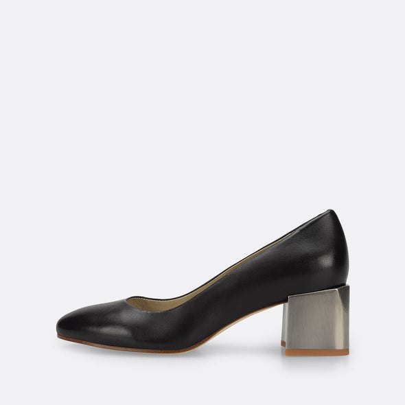 Black leather classic pumps with silver mid heel.