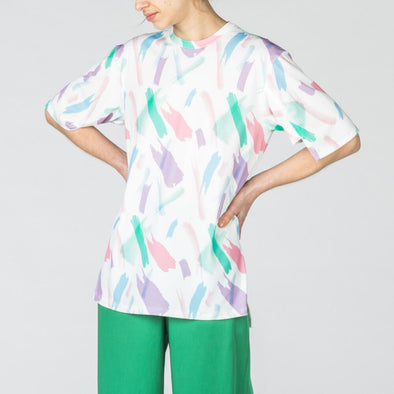 Multicolored print long t-shirt.