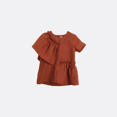 Rust short-sleeved blouse with frill.
