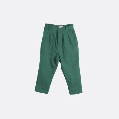 Green pleated trousers with side pockets.
