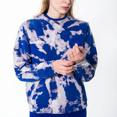 Unisex regular fit crew neck blue tie-dye sweatshirt.