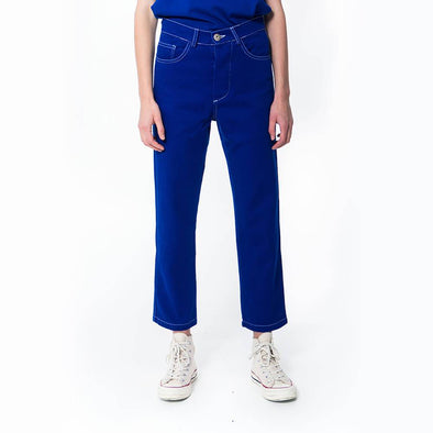 Unisex regular fit blue jeans.