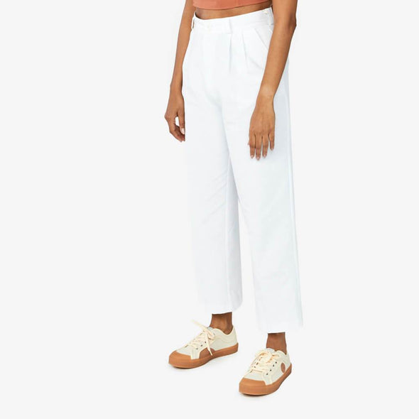High waisted straight cut trousers in white cotton.