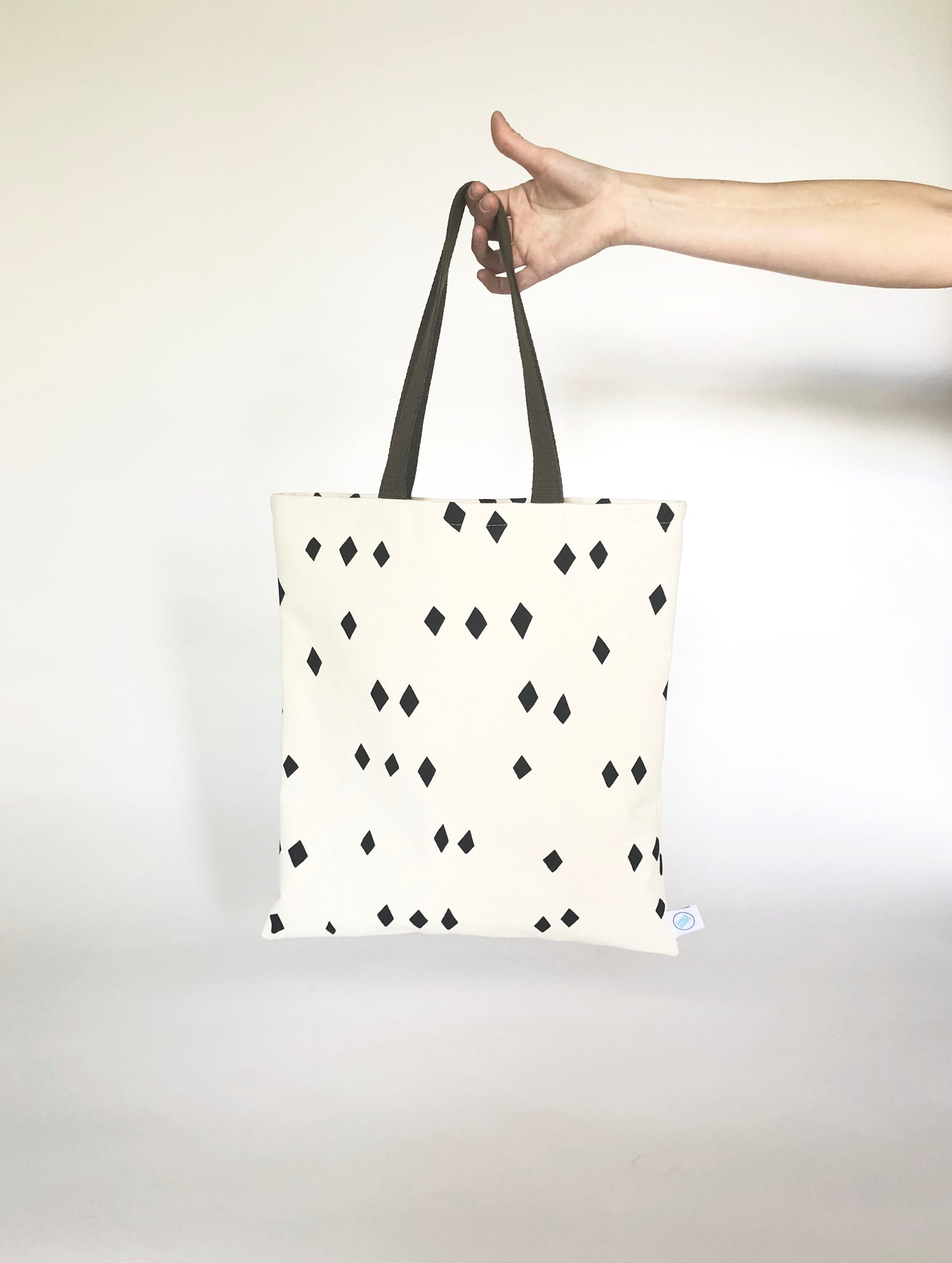 Scattered Diamonds Flat Tote