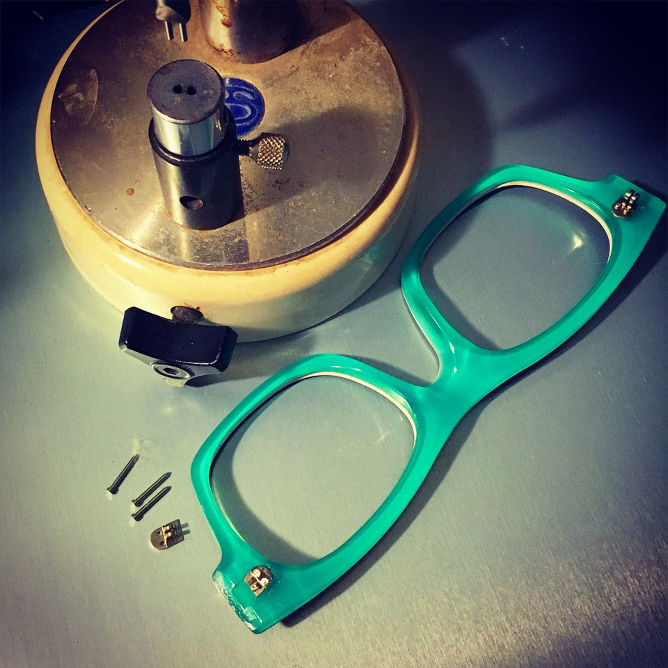 Eyewear repair new hinge
