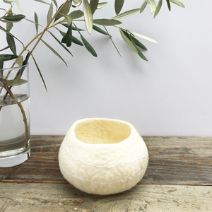 BASE KIT FOR 1 - Minimalist felted bowl - WHITE