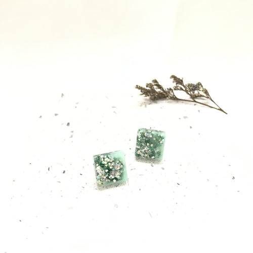 Square Resin Stud - v3