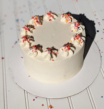"Load image into Gallery viewer, 6"" vegan cake"