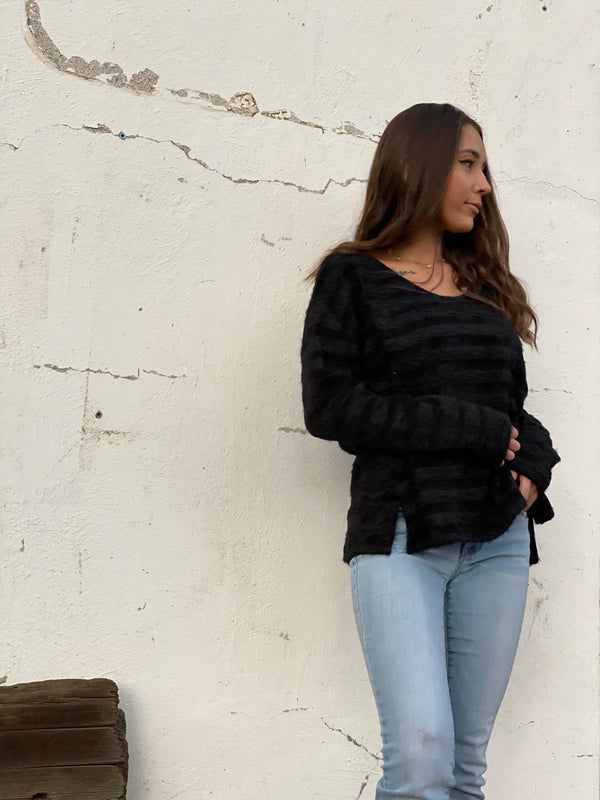 pullover sweater-black