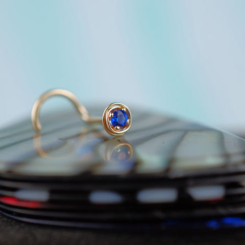 tangled gold and sapphire handcrafted nose stud