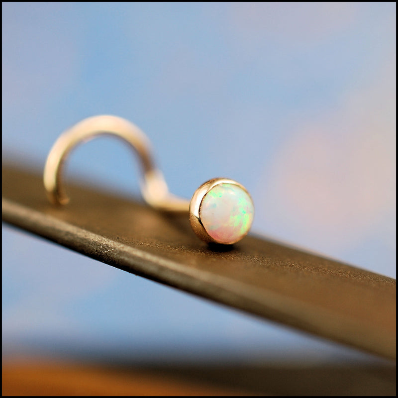products/3mm_Opal_in_Gold_4B.jpg