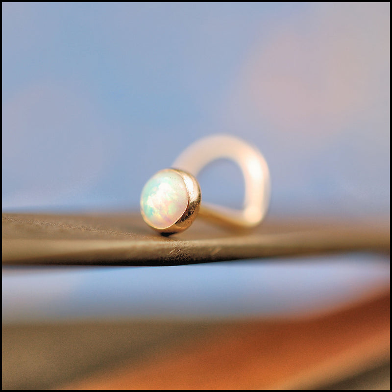 products/3mm_Opal_in_Gold_6B.jpg