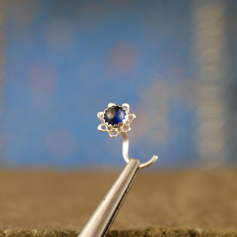 products/4mm_Sapphire_Flower_stud_2.jpg