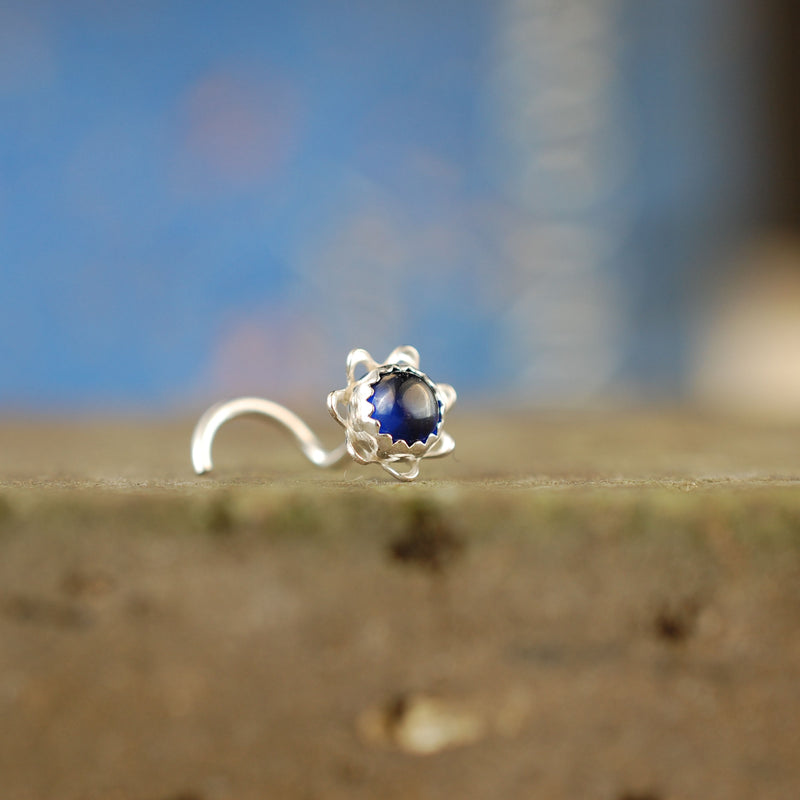 products/4mm_Sapphire_Flower_stud_4.jpg
