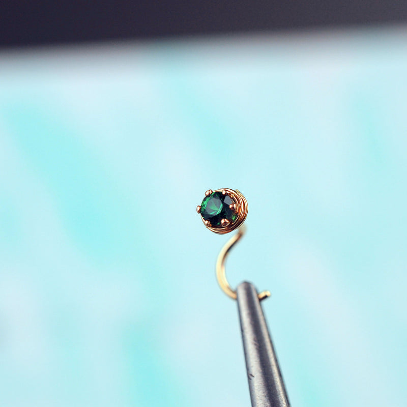 products/ATU_gold_emerald_3mm_kayla_4.jpg