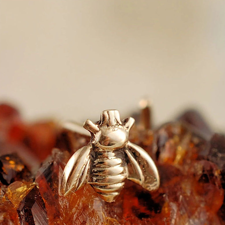 products/Bee_Stud_Gold_14B.jpg