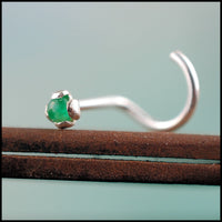 silver and emerald nose pin