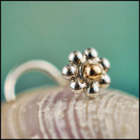Yellow Gold Spot Daisy Nose Stud