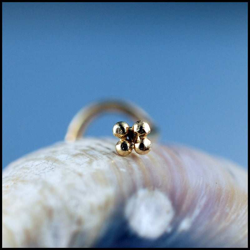 products/Gold_four_dot_stud_4B.jpg