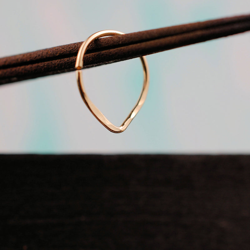 products/Hammered_V_Gold_Septum_6.jpg