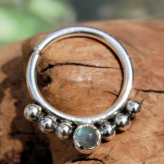 products/Labradorite_Septum_6_balls_2.jpg