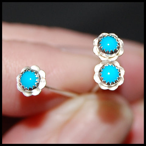 Flower Nose Stud in Turquoise and Sterling Silver - Southern Belles