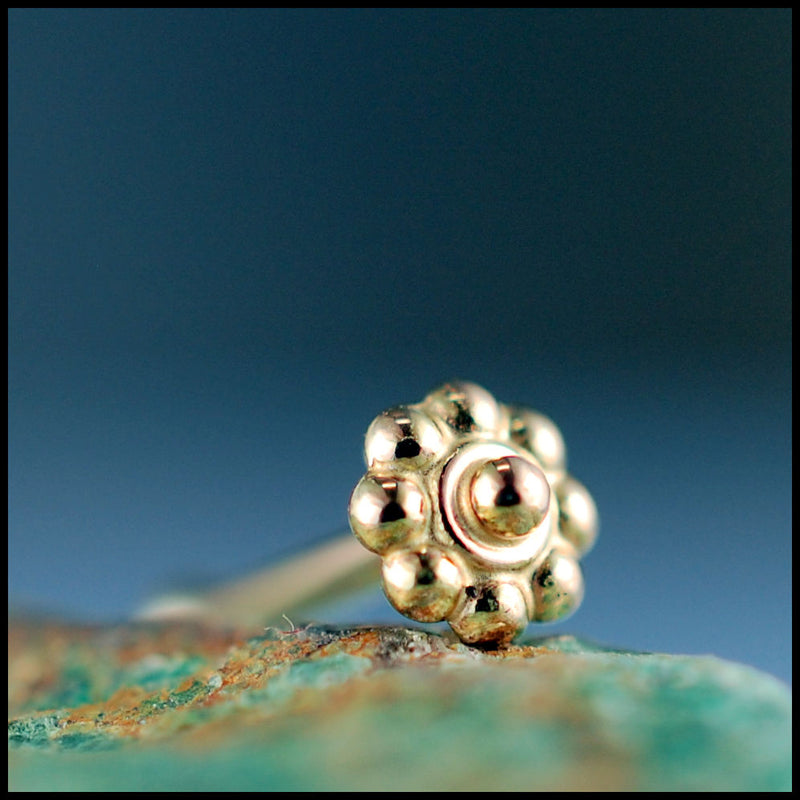 products/Tiny_Gold_Daisy_Flower_Stud_5B.jpg