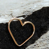 14 karat yellow gold heart earring