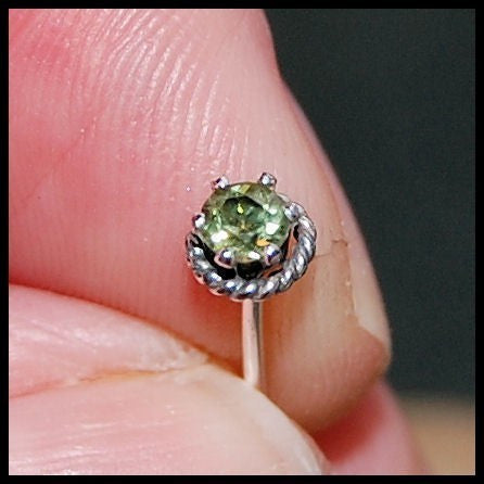 Peridot Nose Stud - Roped with Sterling