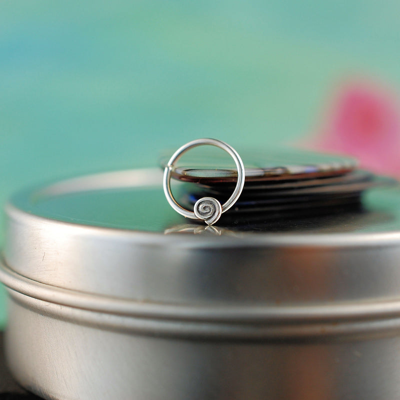 products/silver_septum_tiny_spiral_5_a920081c-b84a-4a26-ab66-7628df551256.jpg
