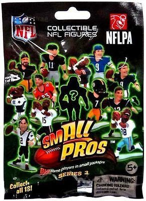 McFarlane Toys Figure - NFL Small PROS Series 3 - PACK (1 random action figure)