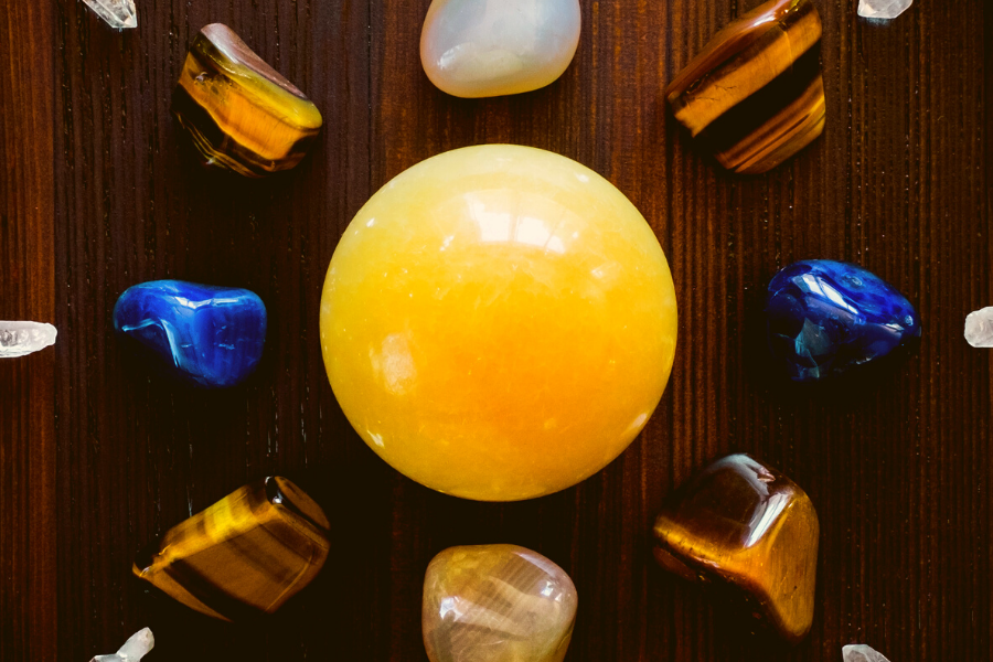 Create a crystal grid of abundance and fortitude