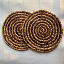 Load image into Gallery viewer, Brown Spiral Jute Placemat