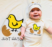 Load image into Gallery viewer, Organic Cotton Baby Gift Set - Hatched