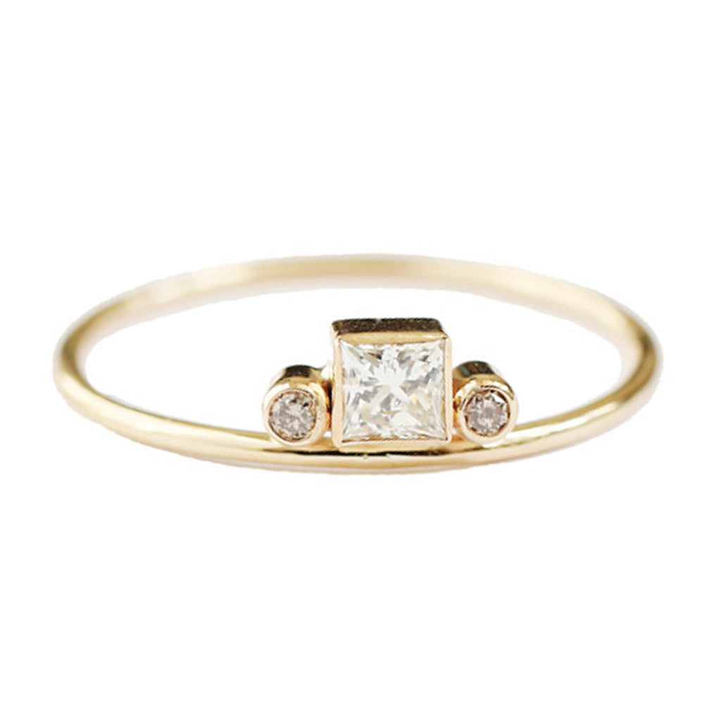 Gravity princess cut diamond ring