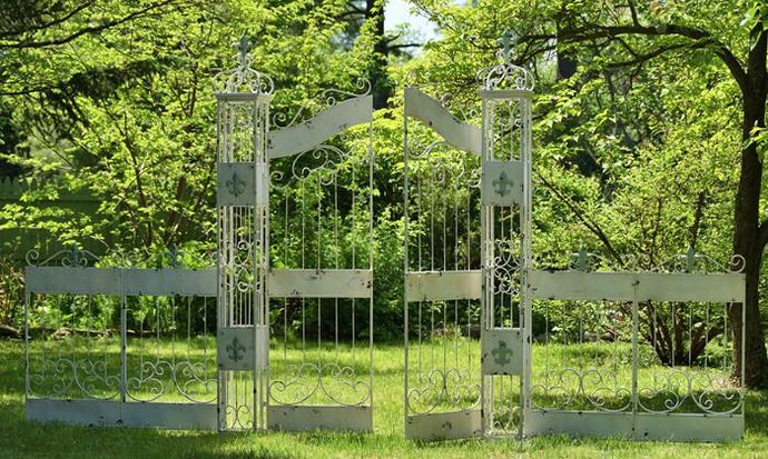 Gazebos, Arches, & Garden Gates - Large Garden Gate With Fleur-de-lis Pillars And Four Piece Fence