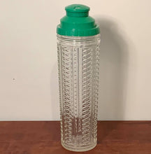 Load image into Gallery viewer, Medco NYC Retro 1940's Cocktail Shaker with Recipe Top